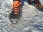 Asics hardloopschoenen in de sneeuw