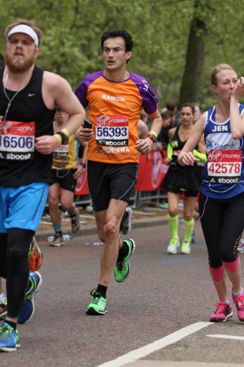 London Marathon KiKa Ramon de la Fuente - Aanzetten bij Buckingham Palace