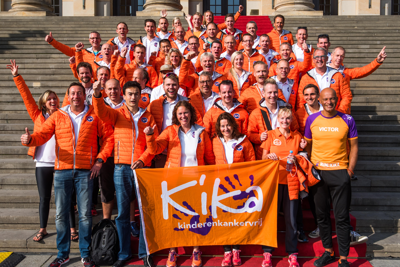 Hardlopers van het KiKa team in Berlijn voor de marathon