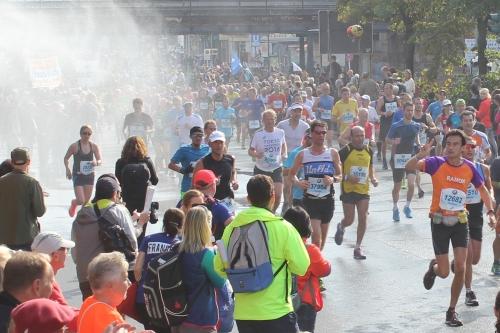 Sproeier bij de Berlijn Marathon
