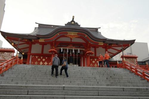 Tokyo highlight - Hanazono tempel Shinjuku voorkant