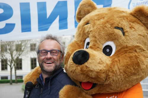 KiKa Run Leusderend: Jos met KiKa beer