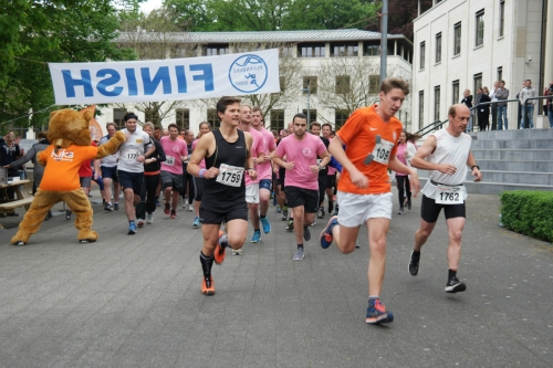 De start van de KiKa Run Leusderend.